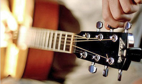 Научитесь настраивать гитару (советы начинающему гитаристу)